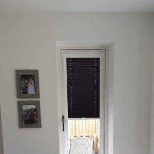dark perfect fit blind on a thin window